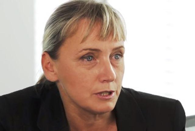 Сред предложенията на Корнелия Нинова не фигурира лидерът на ПЕС