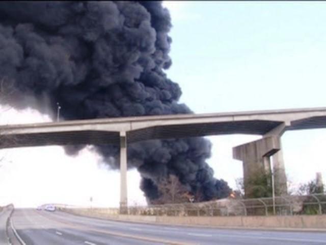 Снимка: В Момента: Сирените Пронизаха Български Град, Стълб От Пушек! Развихри Се Същински Огнен Кошмар!