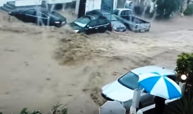 Заради пороите и наводнениятанад 3500 души бяха евакуирани, а близо