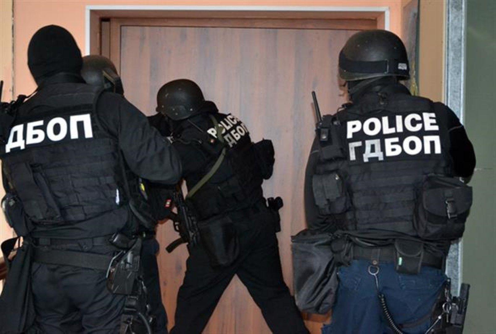 Целта на акцията, в която участва и Икономическа полиция, е