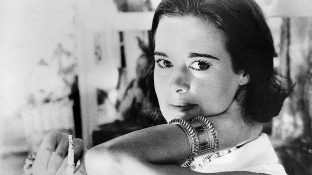 Снимка: Почина Кралицата На Дънките И Една От Най-Богатите Дами Глория Вандербилт