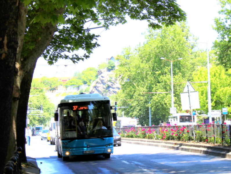 Гражданите, които използват масовия обществен градски транспорт, от