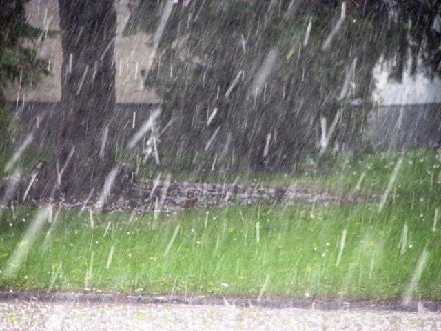 Привечер валежите ще отслабват и на много места ще спрат.