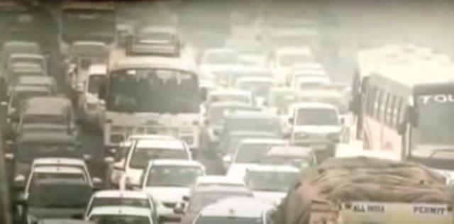 Над 6000 леки коли и около 2000 товарни автомобила преминават