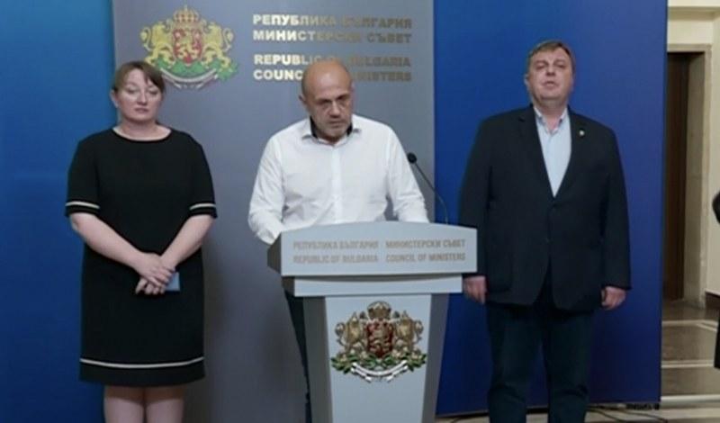 Вицепремиерите Томислав Дончев и Красимир Каракачанов дадоха изявление