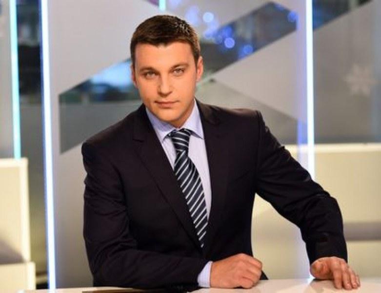 Водещият на новините на Нова - Христо Калоферов,