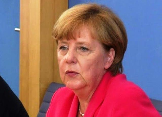 Припомняме, че канцлерът на Германия загуби и баща си –