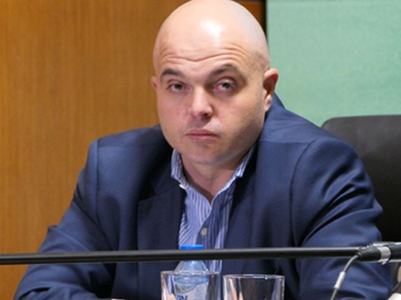 МВР не се ангажира с пазене на политическа