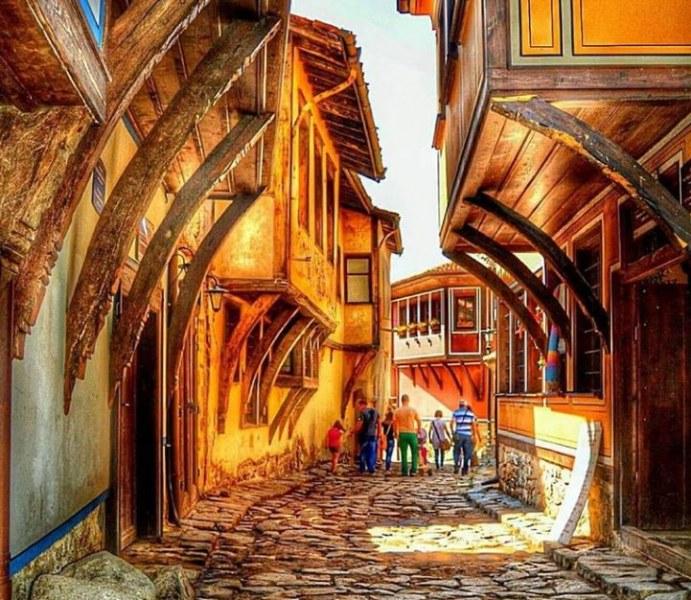 Музикален тур очаква посетителите в Стария град на