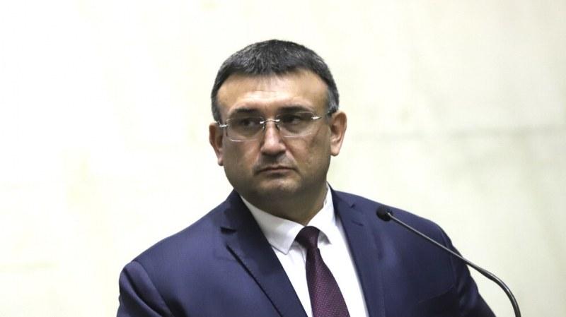 Вътрешният министър Младен Маринов обяви, че няма да