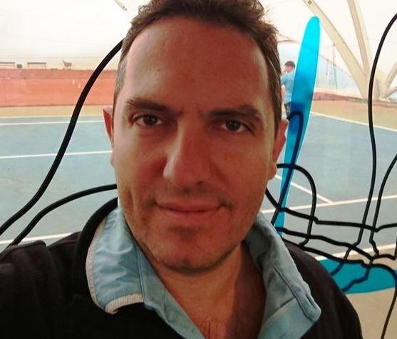 Валери Тарандов е роден през 1972 г. в Габрово в