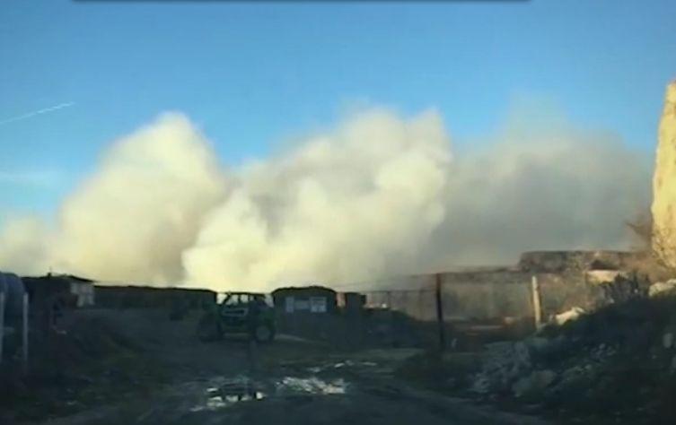 Снимка: Вече Се Усеща Остра Задушлива Миризма! Огнен Кошмар В Химическия Завод В Девня!