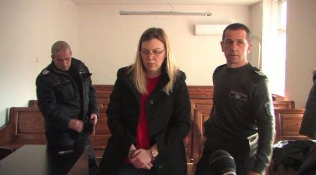 Снимка: Крадливата Банкерка Е Въртяла Далавери И В Сърбия!