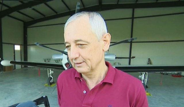 Четиричленното семейство Хинкови излита с частния си самолет от площадката
