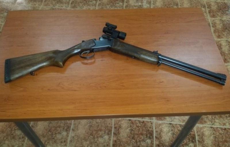 Служители от РУ-Пазарджик иззеха незаконно оръжие, марихуана и