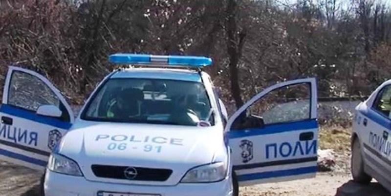 При извършения от полицейските служители оглед, следи от насилие не