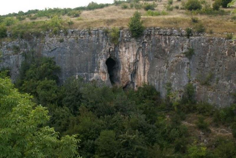 Туристка е загинала при злополука до Националния пещерен