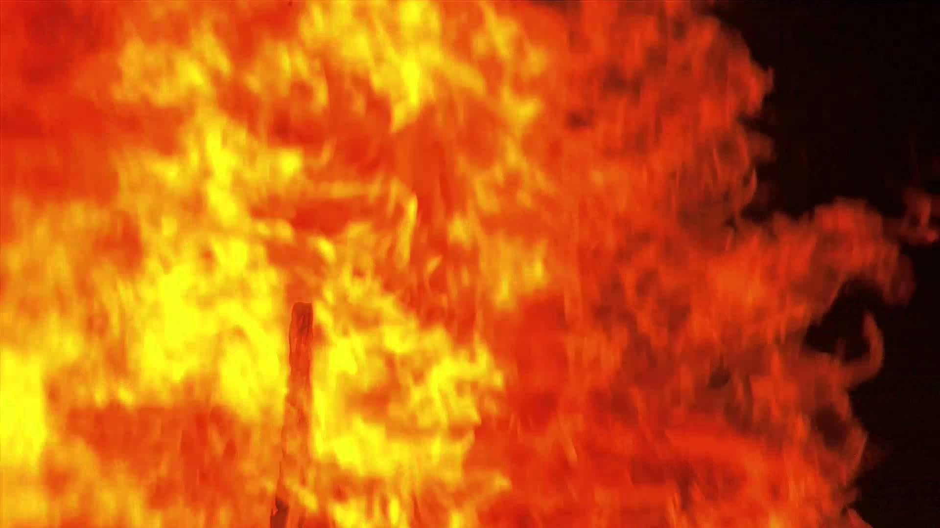 При пожараняма пострадали хора. Сградата е била празна, понеже днес