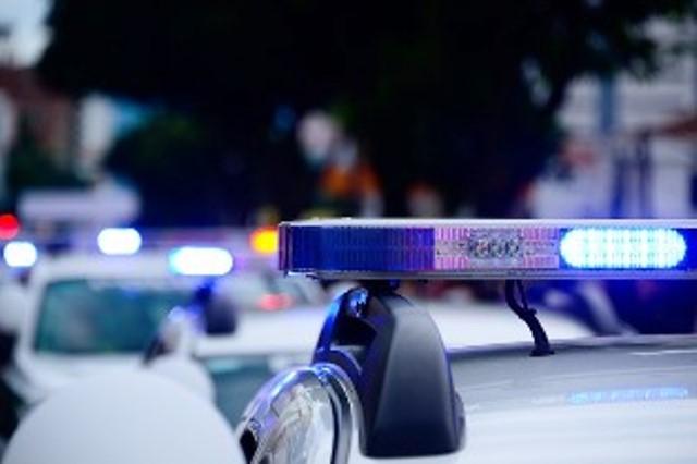 На място са изпратени екипи на полицията и Спешна помощ.