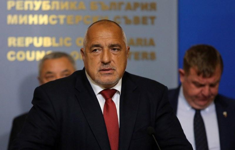 Правителството остава, няма да подава оставка и мандатът