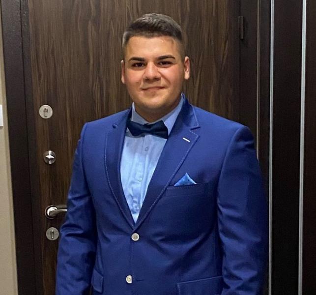 Скандалът с починалото от коронавирус 19-годишно момче се