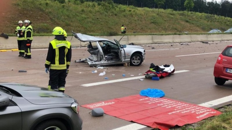 Жестока автомобилна катастрофа е станала на магистрала край