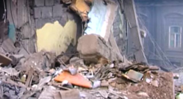 В 11.41 часа на 7 декември 1988 г. земетресение с