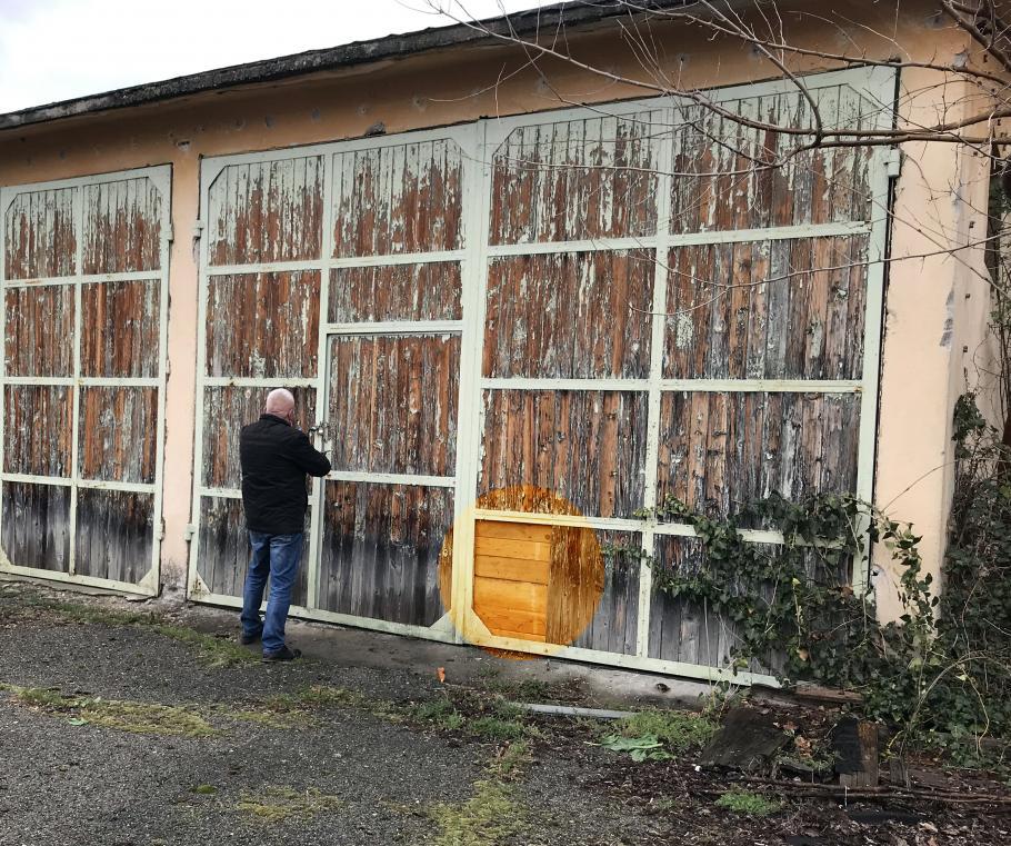 Склад на община Павел баня, където от години