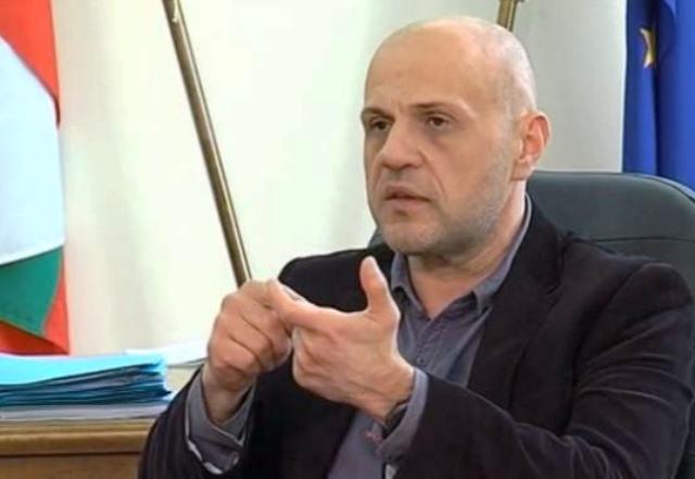 Дончев е изпратил детайлни писма до министрите с нарушенията на