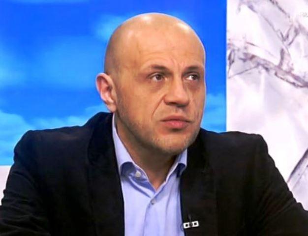 По-рано днес Дончев е заявил готовност да съдейства за осигуряване