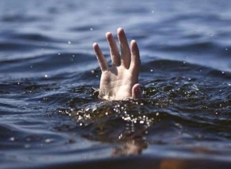 Младеж се е удавил в изкуствен водоем в