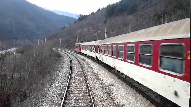 Получен е сигнал, че 4 минути по-рано локомотивът на подвижен