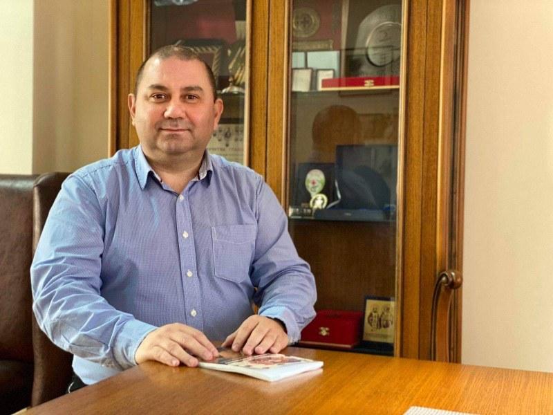 Доц. д-р Христо Паунов е роден на 16 април 1973