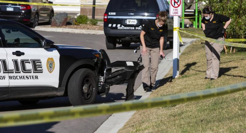 Двама младежи бяха убити и 14 бяха ранени